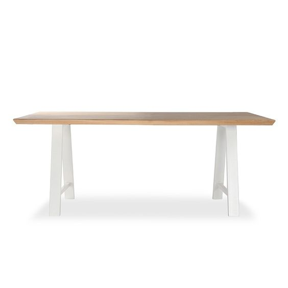 Τραπέζι Τραπεζαρίας Σιδερένιο πόδι με Ξύλο – Ελληνική παραγωγή